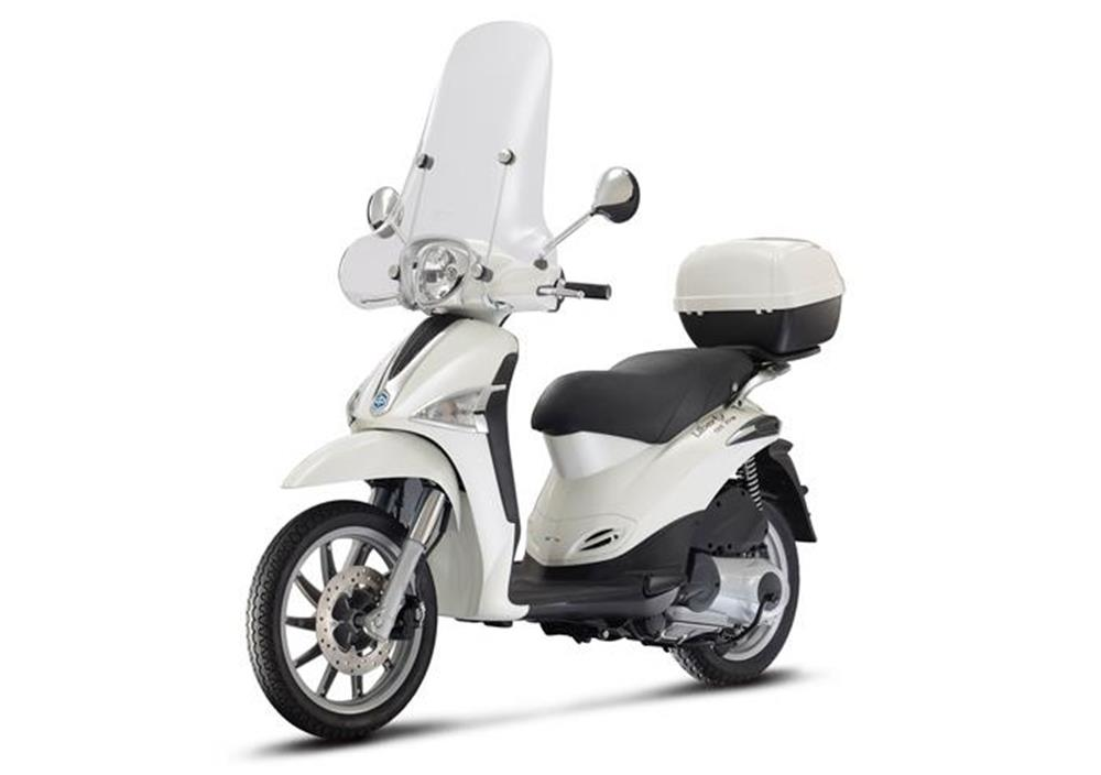 Rental Scooter Liberty 125CC in Rome